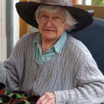 Ergotherapie Geriatrie, Seniorin