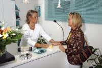 Patientin in der Ergotherapie-Praxis